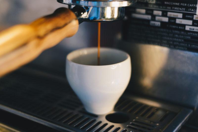 Tasse à café double paroi en porcelaine de limoges